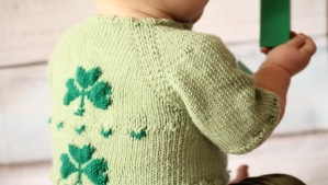 free baby cardigan knitting pattern for St. Patrick's Day: pattern designed by GamerCrafting