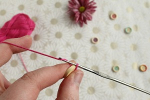 Button center flower crochet tutorial on GamerCrafting