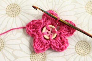 Button center flower crochet tutorial with GamerCrafting