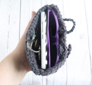 FREE clutch knitting pattern by GamerCrafting