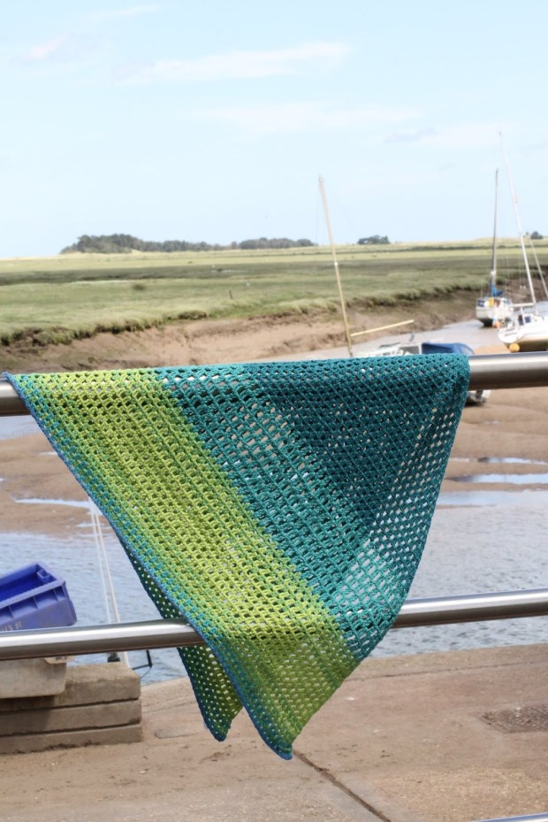 Ombre shawl crochet pattern for beginners